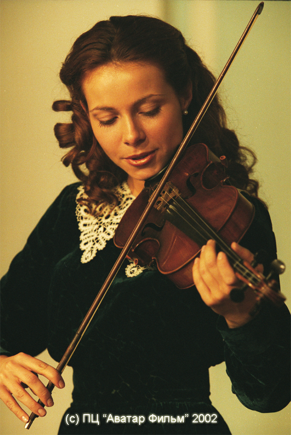 Екатерина Гусева родилась 9 июля 1976 года в Москве. *Актриса так и не
